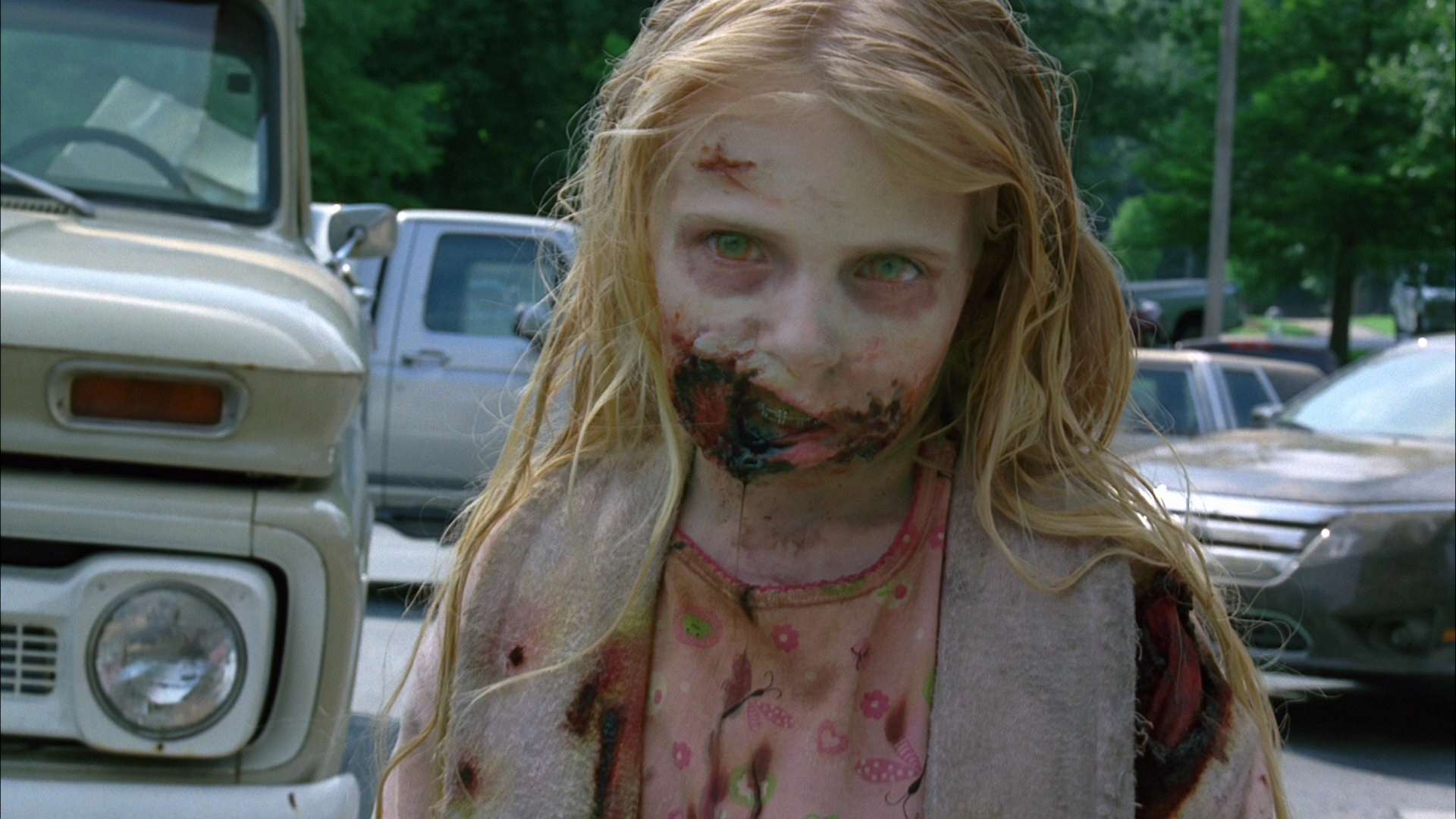 little-girl-zombie-walking-dead